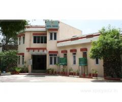 Get Hotal Meenal (RTDC) in,Alwar with Class Accommodation.