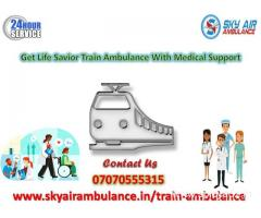 Pick Rail Ambulance Service in Kolkata with MBBS Doctor