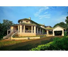 Get Hilltop Bungalow Pachmarhi-MPTDC in,Pachmarhi with Class Accommodation.