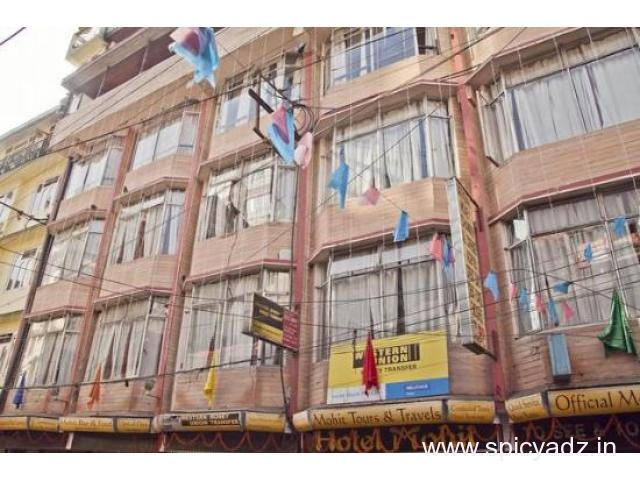 Get Hotel Mohit in,Darjeeling with Class Accommodation.