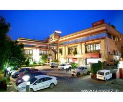 et Jehlum Resort in,Jammu with Class Accommodation.