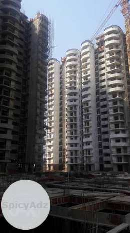 sale my new flat 8th flour greater noida west in Delhi